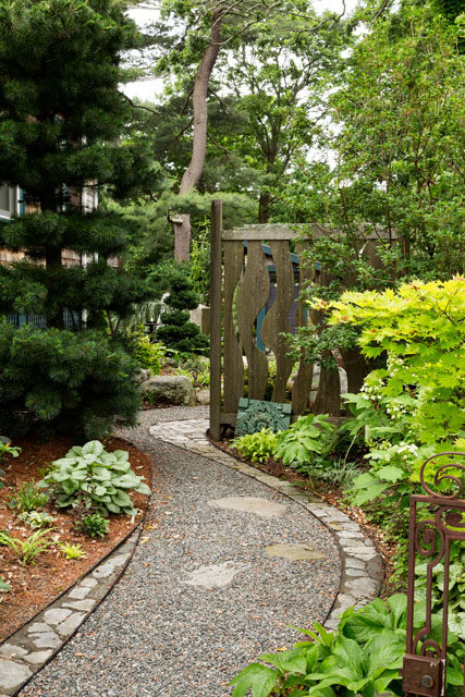 Landscape design by Christie Dustman & Company, Inc.